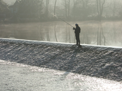 rybář a jez