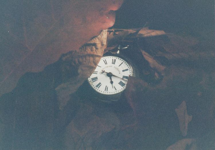 listy a hodinky